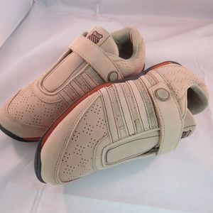 K-Swiss Athletic Shoes Size 5 Authentic Brand New
